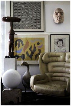 ELDA CHAIR, created by Designer JOE COLOMBO, dressed in a minimalist living room by Portuguese interior designer Cristina Jorge de Carvalho. Home Interior, Interior And Exterior, Interior Decorating, Farmhouse Interior, Farmhouse Desk, Decoration Inspiration, Interior Design Inspiration, Decor Ideas, Room Inspiration