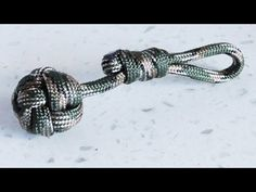 How To Make A Paracord Celtic Button / Turk's Head Ball Keychain - YouTube