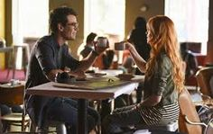 """""""ya lit meme: seven friendships simon lewis and clary fray """"this close up she could see the freckles on his left cheekbone, the tiny scar on his lip from a soccer accident in eighth grade. Katherine Mcnamara, The Mortal Instruments Tumblr, Simon And Clary, Maxim Roy, Alberto Rosende, Shadowhunters Series, Simon Lewis, Will Herondale, Matthew Daddario"""