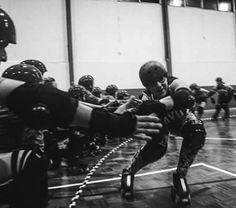 MOLAN MUCHO LOS VIERNES CON ROLLER DERBY!!   #rollerderby #valencia #rollerderbyvalencia #valenciarollerderby #patinaje #skate #skatevalencia #rayodockers #spainrollerderby #rollerderbyspain #deportevalencia #valenciasport #feminism #DIY #autogestión by rayodockers