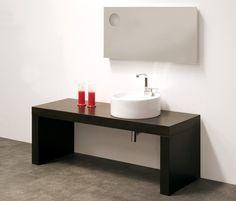 La Bridge panca di @Ceramica Flaminia è un complemento di design perfetto per i lavabo. Scopri di più qui!