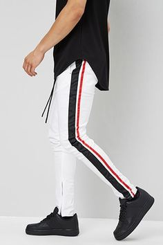 Jogger Pants Outfit, Mens Jogger Pants, Modern Mens Fashion, Mens Fashion Suits, Slim Fit Dress Pants, Mens Skinny Dress Pants, Track Pants Mens, Adidas Outfit, Mens Clothing Styles