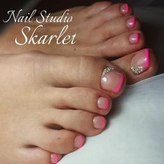 Best French Designs For Toe Nails In Bright Pink Color The freshest and most beautiful nail designs for toes for the summer vacation. French Toe Nails, Pink Toe Nails, Pretty Toe Nails, Toe Nail Color, Cute Toe Nails, Toe Nail Art, Nail Colors, My Nails, French Toes