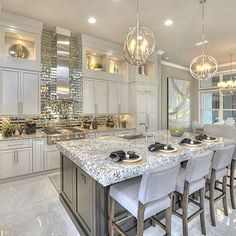 Raise your hand if you love this kitchen . Via Luxury Kitchens hand homedesi icihomesfl Kitchen love Raise Home Design, Luxury Kitchen Design, Luxury Kitchens, Küchen Design, Layout Design, Home Kitchens, Dream Kitchens, Interior Design, Design Ideas