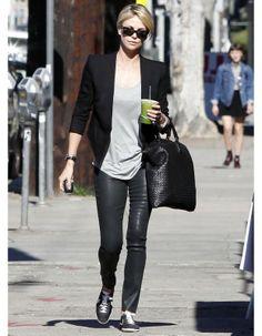 Le look du jour : Charlize Theron, en virée sans Sean Penn - ELLE