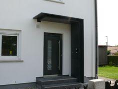Haustürüberdachung mit Seitenteil und integriertem Briefkasten Ulm Vöhringen
