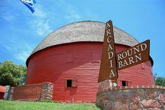 Arcadia Round Barn <3
