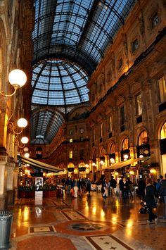 Galleria Vittorio Emanuele II, Milan Lombardy, Italy