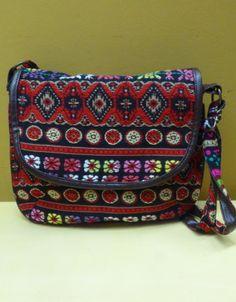 Bolso de tela en diferentes colores. ¡Dale a tu estilo un look etnic!