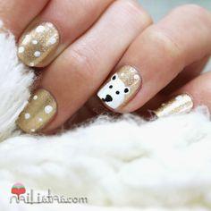 Uñas decoradas de navidad con oso polar http://www.nailistas.com/2013/12/unas-decoradas-de-navidad-con-oso-polar.html @Nailistas