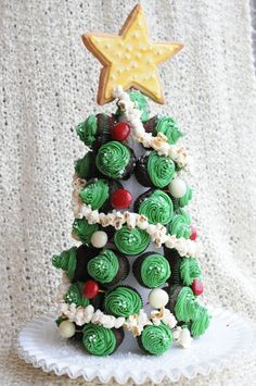 It's officially December, which means Christmas is just around the corner.it's time for whimsical holiday food ideas. These sweet holiday treats are pretty creative and easy to make. They are also great decorations can be used to dress up your Christmas tables and will impress your guests. Take a look at examples below and get … Continue reading 20+ Christmas Sweets & Treats Recipes →