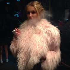 Victoria Lopis, Brazilian n makeup artist. Steam Punk, Cailin Russo, Carlson Young, Mode Editorials, Fru Fru, Sexy, Women Smoking, Thing 1, Shabby Chic
