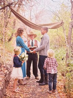 Elopement photoshoot // 10 year anniversary idea with kids