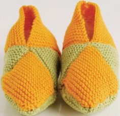 brei_pantoffels_7_vierkante Knitting Stitches, Knitting Patterns, Crochet Patterns, Knitted Slippers, Slipper Socks, Free Pattern, Knit Crochet, Sewing, Meet
