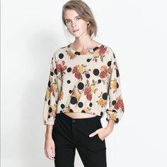 "Zara Floral Sweatshirt _ Size S Worn couple times. In perfect condition, no stains, tears or any marks. I'm about 5""3 and 108 lb. Fits me perfectly. Zara Tops Sweatshirts & Hoodies"