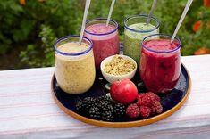 It seems Smoothies have been part of the American way of life since forever. It's time to step into the future with IDM's smoothies topping dispensers. Weight Loss Meals, Weight Loss Drinks, Weight Loss Smoothies, Healthy Weight Loss, Smoothie Cleanse, Morning Smoothies, Smoothie Challenge, Kiwi Smoothie, Healthy Smoothie Recipes