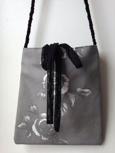 a1ddf634ec Grey Roses Purse Floral Fabric Handbag Unique by bagsbynelli