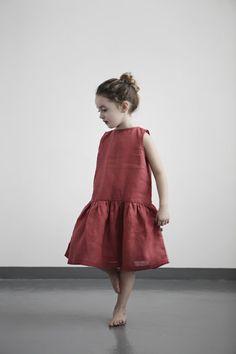 Red dress. Muku.