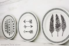 Thoughts from Alice: Eclectic Bohemian Summer Mantel - Sharpie marker plates Boho Diy, Boho Decor, Summer Mantel, Bohemian Summer, Plate Design, Easy Diy Crafts, Jewelry Patterns, Op Art, Pastels