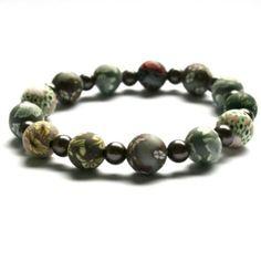 Armbånd i naturtoner Beaded Bracelets, Jewelry, Fashion, Moda, Jewlery, Jewerly, Fashion Styles, Pearl Bracelets, Schmuck