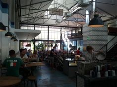 Gordon St Garage, a quirky ex garage now cafe serving meals to hungry punters