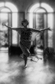 Photographie, Numérique dans Evénement, Spectacle - Image #628156, Romania Spectacle, Batman, Superhero, House, Fictional Characters, Ideas, Digital Photography, Home, Fantasy Characters