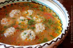 Ciorba cu  perisoare de pui Appetizer Recipes, Soup Recipes, Dessert Recipes, Hungarian Recipes, Romanian Recipes, Sunday Recipes, Romanian Food, I Want To Eat, Quick Meals