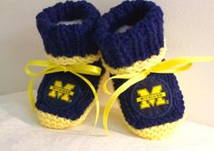 Custom handmade knit  UNIVERSITY of MICHIGAN baby booties 0-12M-cute gift photos Blue & Yellow colors