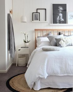 Romantic Bedroom Decor Ideas to Make Your Home More Stylish on a Budget - The Trending House Scandi Bedroom, Monochrome Bedroom, Rustic Bedroom Design, Romantic Bedroom Decor, Modern Master Bedroom, White Bedroom Furniture, Modern Room, Cosy Bedroom, Bedroom Art