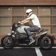 """394 """"Μου αρέσει!"""", 4 σχόλια - Gent Movement (@gentmovement) στο Instagram: """"What's your dream bike? A sexy BMW R nineT from @motorino_kr  #GentMovement"""""""