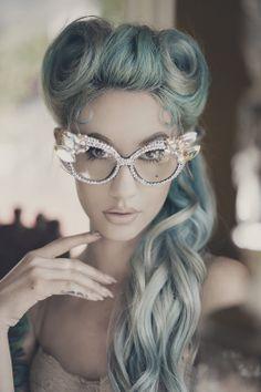 pastel pin up hair