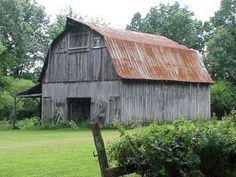The Guardian Technology House is hidden inside an old barn in Winn Parish, Louis. The Guardian Technology House is hidden inside an old . Wooden Barn, Rustic Barn, Country Barns, Country Life, Country Living, Barn Living, Country Roads, Barn Builders, Barn Photography