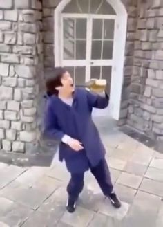 Funny Short Videos, Funny Video Memes, Crazy Funny Memes, Wtf Funny, Funny Cute, Hilarious, Dance Choreography Videos, Dance Videos, Cool Dance Moves