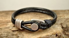 Hey, I found this really awesome Etsy listing at https://www.etsy.com/listing/176548445/free-shipping-mens-leather-bracelet-men