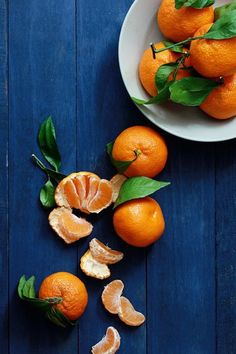 Citrus to try during their peak season. From refreshing cocktails to fluffy pancakes, these recipes celebrate all of your favorite in-season citrus fruits. Fruit And Veg, Fruits And Vegetables, Fresh Fruit, Citrus Fruits, Blue Fruits, Fruit Water, Photo Fruit, Citrus Cake, Food Photography Tips