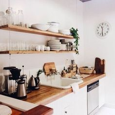 You don't need a lot of space to create a great kitchen. This gallery features many great small kitchen design ideas. While most small kitchen designs are used for apartments and condominiums, they can also be excellent for small homes… Continue Reading → Rustic Kitchen Decor, Kitchen Interior, Kitchen Dining, Kitchen White, Kitchen Ideas, Decorating Kitchen, Wooden Kitchen, Kitchen Small, Apartment Kitchen