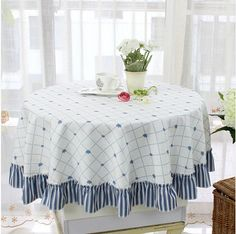 Tablecloth Rental, Tablecloths For Sale, Round Tablecloth, Linen Tablecloth, Table Linens, Mantel Redondo, Dining Table In Kitchen, Table Covers, Fashion Prints