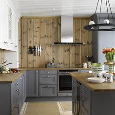 Grey Kitchen Interior, Modern Kitchen Design, Blue Cabinets, Kitchen Cabinets, Cabin Kitchens, Home Remodeling Diy, Timber House, Cabin Interiors, Cottage Living