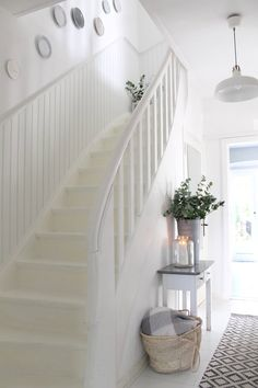 Bright hallway with stairs in - Flur Skandinavisch ♡ Wohnklamotte - Semi Detached, Detached House, Interior Design Living Room, Living Room Designs, Bright Hallway, Stairway Decorating, Beautiful Wall, Cool Walls, Stairways