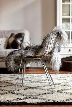 Winter coziness after Christmas - via Coco Lapine Design
