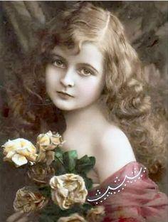 Cartes postales anciennes: Carte postale ancienne, enfant et roses