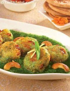 Palak Makai Kofta recipe | Punjabi Recipes | by Tarla Dalal | Tarladalal.com | #30892