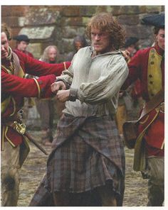 https://www.facebook.com/OutlanderItaly/photos/a.484019781680060.1073741828.480471528701552/837988596283175/?type=1