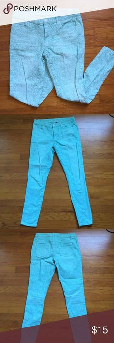 Mint Printed Skinny Jeans Excellent used condition! Beautiful mint color with subtle intricate white design - 4th pic shows color and design the best! Great warm weather staple. Size 6, tiny bit of stretch. Happy to answer any questions! Pairs great with the nude wedges I have for sale! Bisou Bisou Jeans Skinny