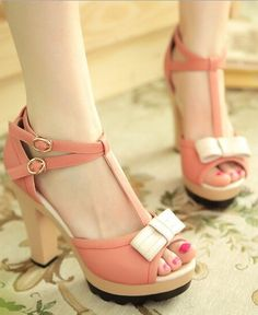 Lovely bowknot sandals