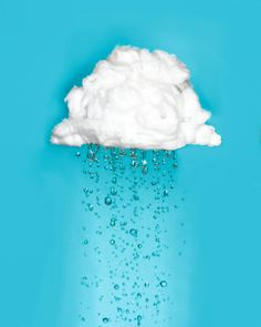 On aivan absurdia, miten puuvillasta saa tehdä kertakäyttötuotteita - puuvilla kun kuluttaa vettä aivan järkyttävän väärän. Helppo ilmastoteko on vaihtaa kuluttavat vanulaput joko kestolappuihin tai vaihtaa meikinpoistoaineeseen, jonka käyttö ei vaadi vanutuotetta. Tässä helppo teko, jonka voi tehdä maapallon eteen!  Pictured: A rain cloud made of cotton. #artdirection #environmentalphotography #ilmastonmuutos #ilmastokriisi #ekosome #ekoteko #ilmastoteko Free