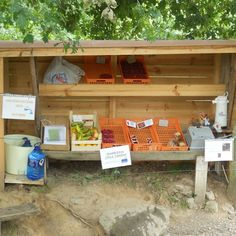 a free market of fruits and vegetables unattended. you can find it only in the way of Santiago de Compostela at Camino de Santiago de #market #shop #fashion #hongkok #明星同款 #韓款 #jewellery #gifts #korea #ahanlife #女裝 #etsy #littletreasuresmarket #vintage #鬆高 #designer #accessories #女鞋 #love #hkshop #shopping #like #日系 #sunday #厚底 #handmade #free #復古 #clothing #delicious