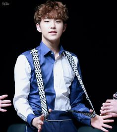 Suspenders is a good look on him Woozi, Wonwoo, Jeonghan, Jimin, Bts Got7, Hoshi Seventeen, Seventeen Debut, K Pop, Seventeen Performance Unit