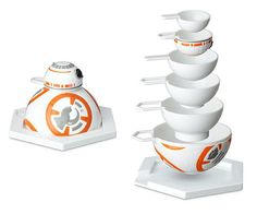 Star Wars Measuring Cup Set by think geek Cocina Star Wars, Star Wars Gadgets, Star Wars Kitchen, Wall Hung Toilet, Star Wars Gifts, Star Wars Party, Geek Gifts, White Elephant Gifts, Measuring Cups
