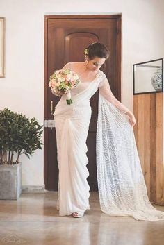 Indian Bridal Saree Look You Have To Steal – Designers Outfits Collection White Saree Wedding, Indian Wedding Sari, Bridal Sari, Indian Bridal Sarees, White Bridal, Bridal Dresses, Reception Dresses, Christian Wedding Sarees, Christian Bride